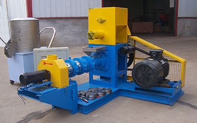 Floating feed pellet extruder for Mexican client